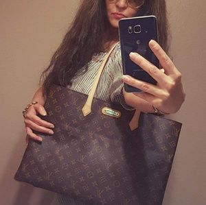 Louis Vuitton Bags - Authentic Louis Vuitton Wilshire MM